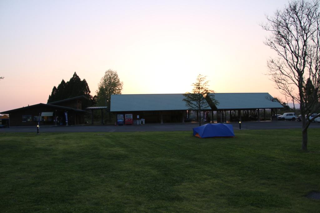 服掛松キャンプ場の管理棟
